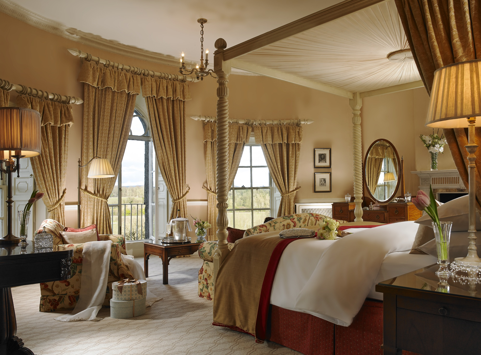 Manor Houe Presidential Suite Room 17