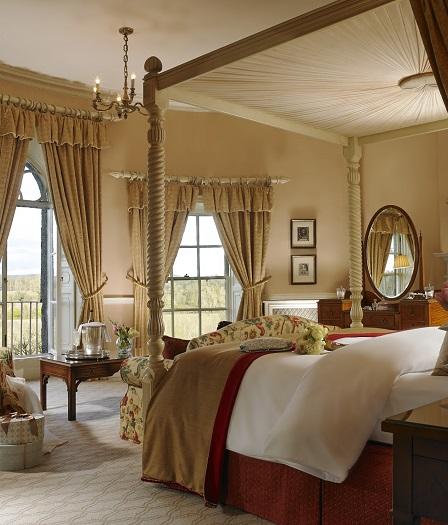 Manor Houe Presidential Suite Room 17